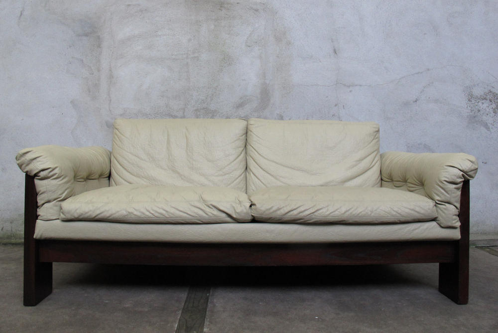 MID CENTURY ROSEWOOD LOVESEAT AFTER TOBIA SCARPA