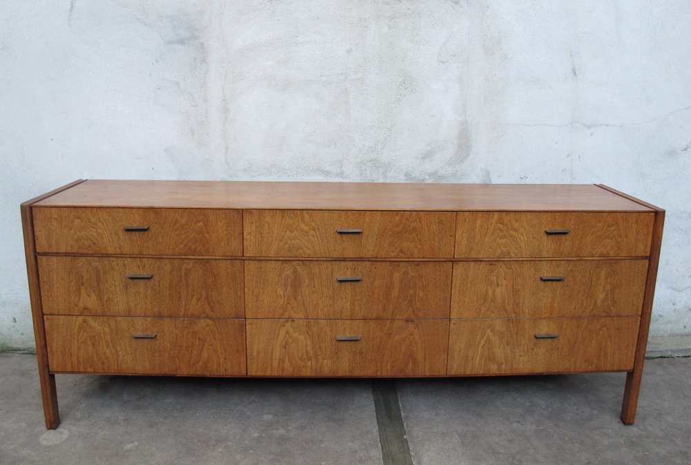 MID CENTURY NINE DRAWER OAK DRESSER