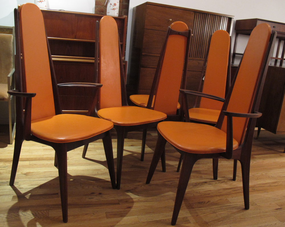 SET OF WALNUT DINING CHAIRS AFTER PEARSALL