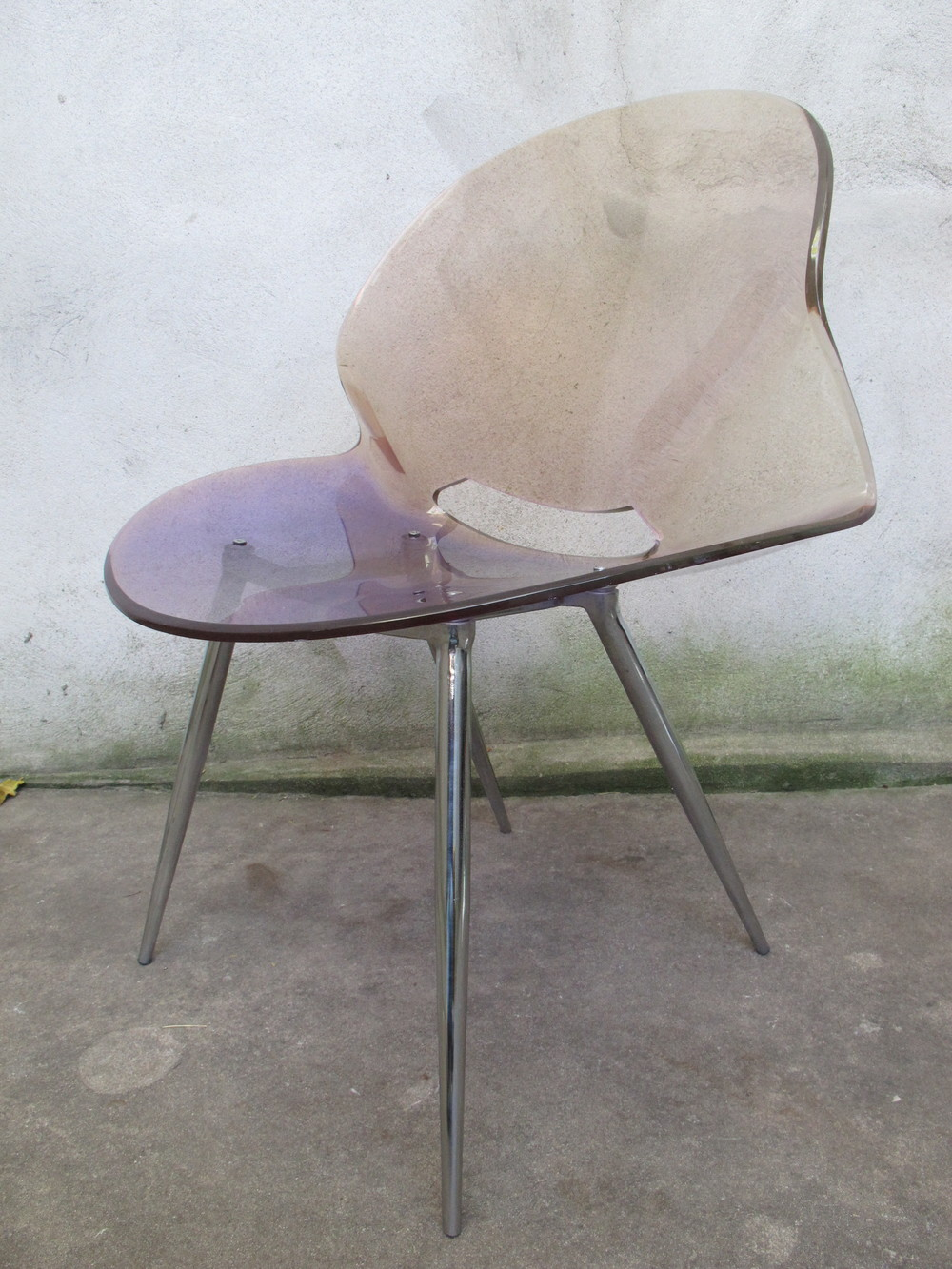 MID CENTURY MODERN CLEAR PLASTIC CHAIR