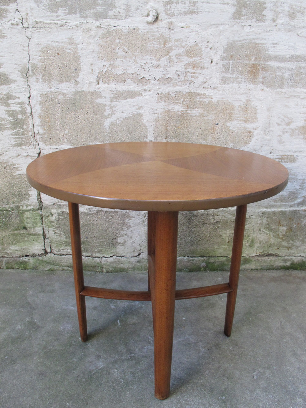 DREXEL PARALLEL ROUND SIDE TABLE