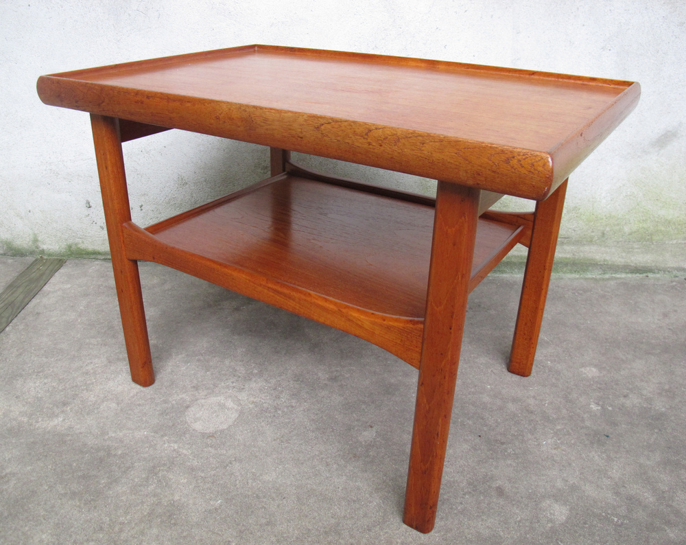 DANISH MODERN TWO TIER TEAK END TABLE BY MOREDDI