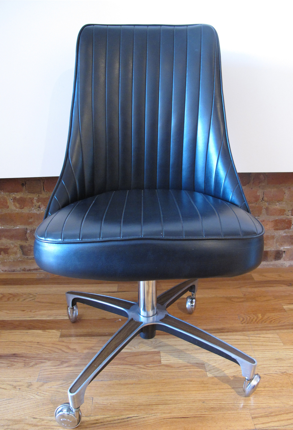 MID CENTURY ROLLING OFFICE CHAIR BY CHROMCRAFT