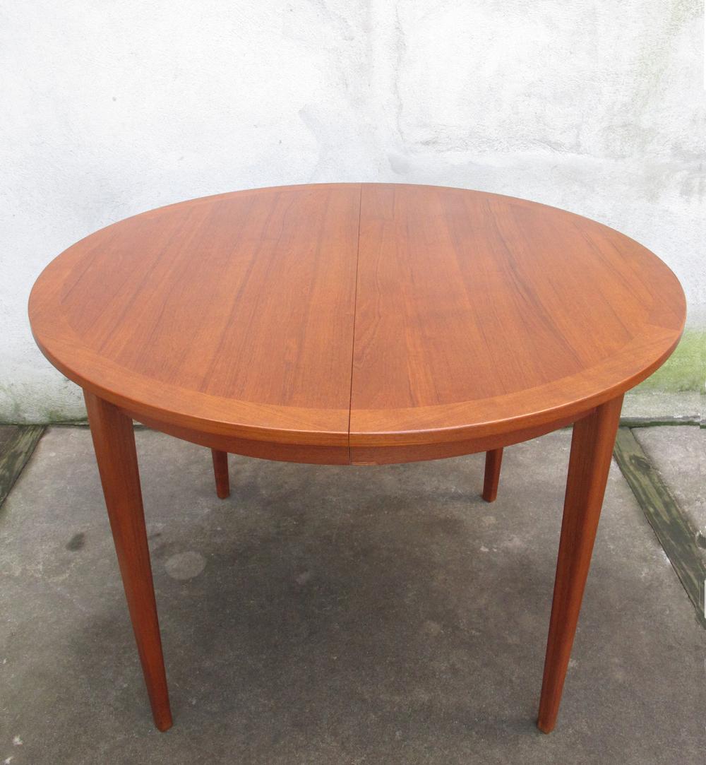 SWEDISH MODERN ROUND TEAK DINING TABLE