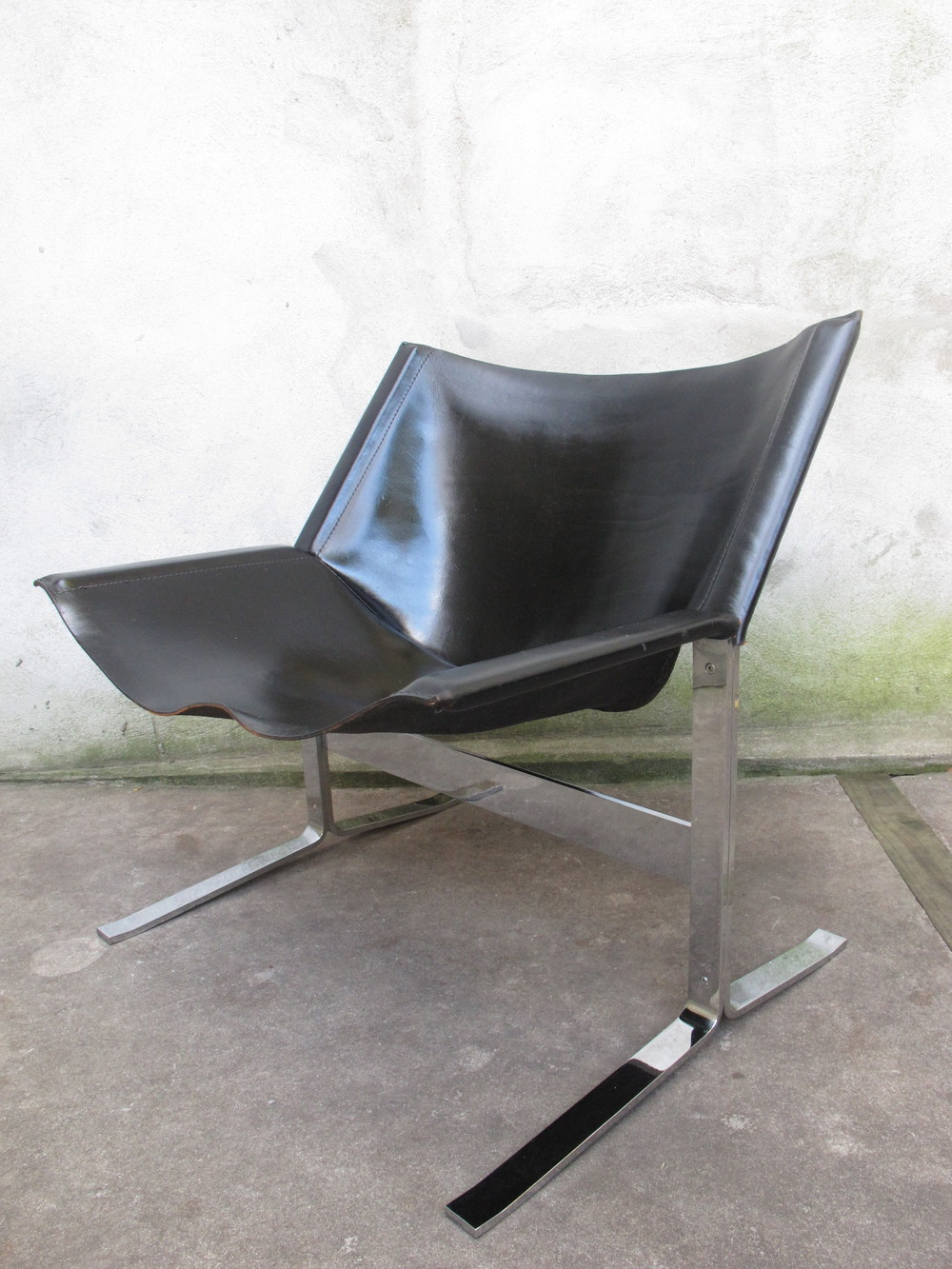 CLEMENT MEADMORE NO. 248 LEATHER SLING LOUNGE CHAIR