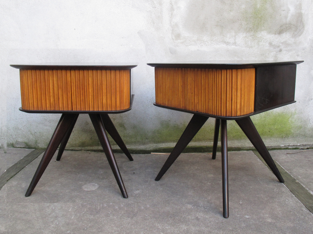 PAIR OF MID CENTURY END TABLES AFTER KAGAN