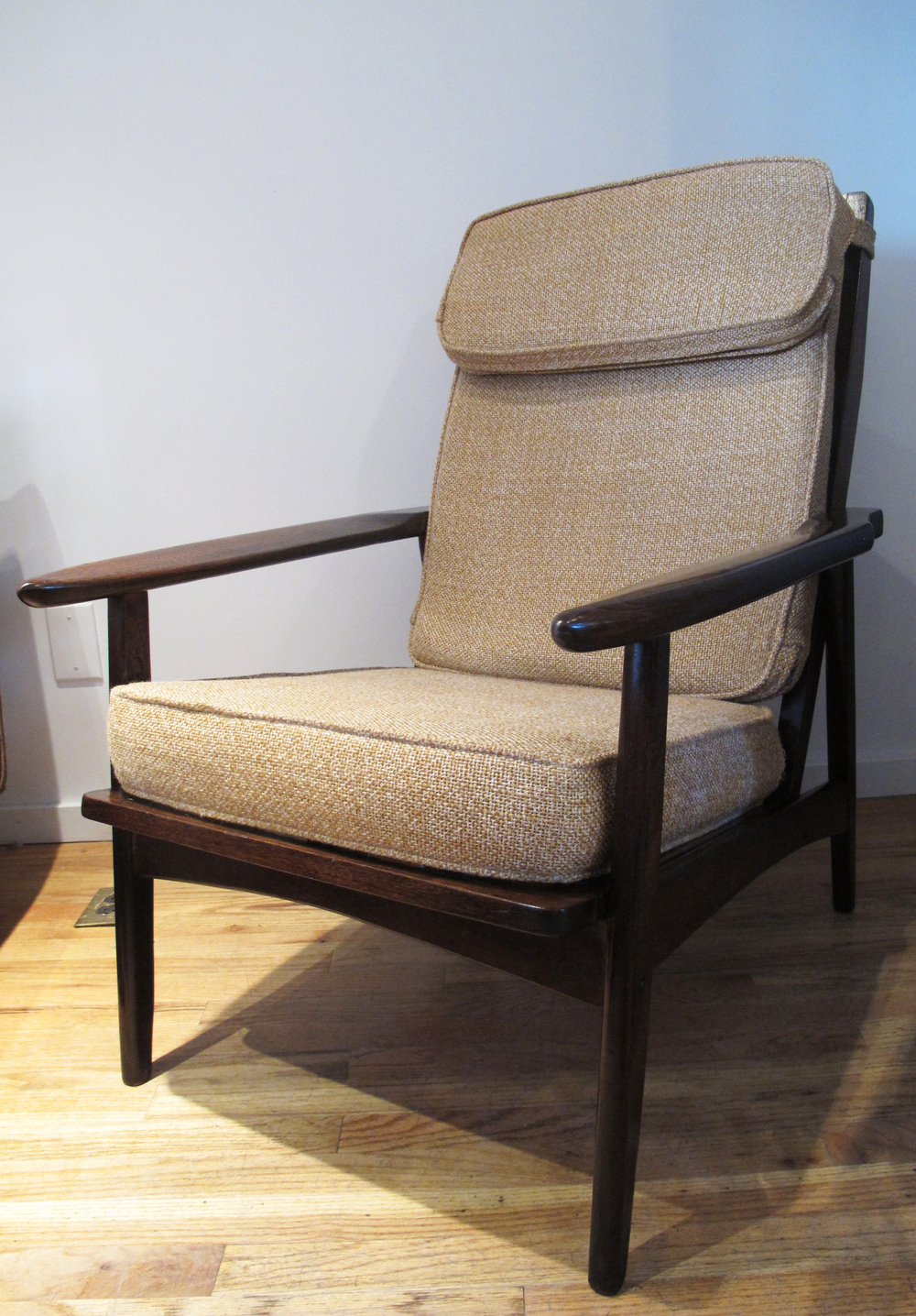 MID CENTURY HIGH BACK OAK LOUNGE CHAIR