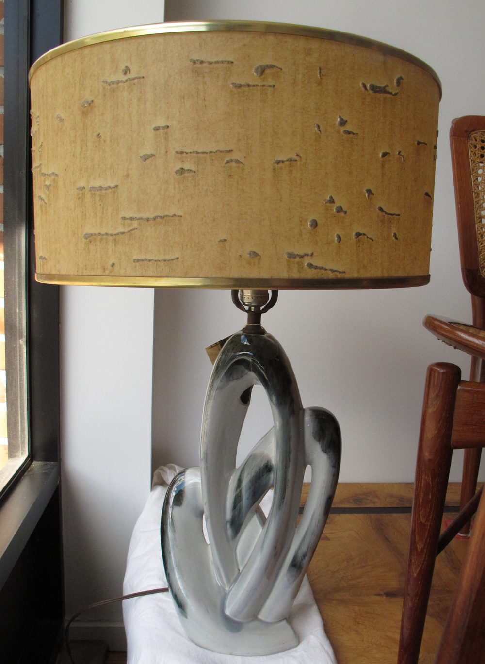 ABSTRACT MID CENTURY SCULPTURAL GLASS LAMP
