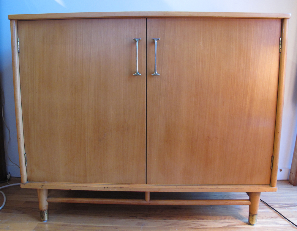 MID CENTURY CABINET BY DREXEL ATTRIBUTED TO MILO BAUGHMAN