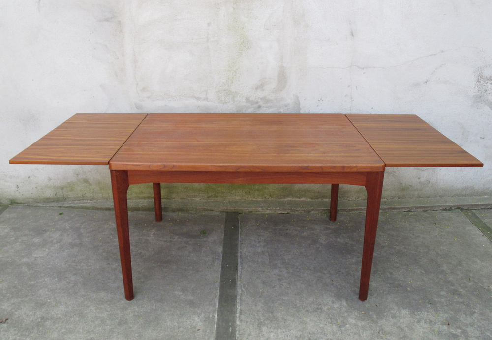 DANISH TEAK EXTENSION DINING TABLE BY VEJLE STOLE