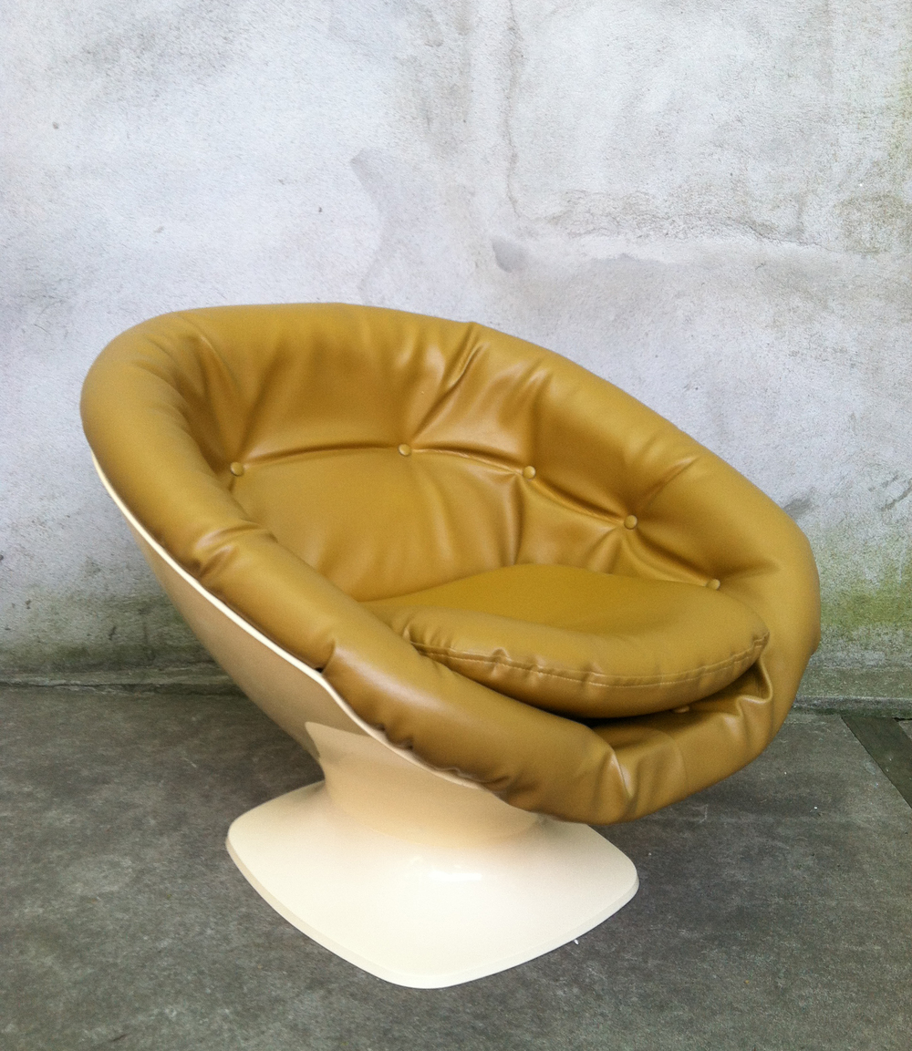 MID CENTURY SPACE AGE LOUNGE CHAIR AFTER OVERMAN