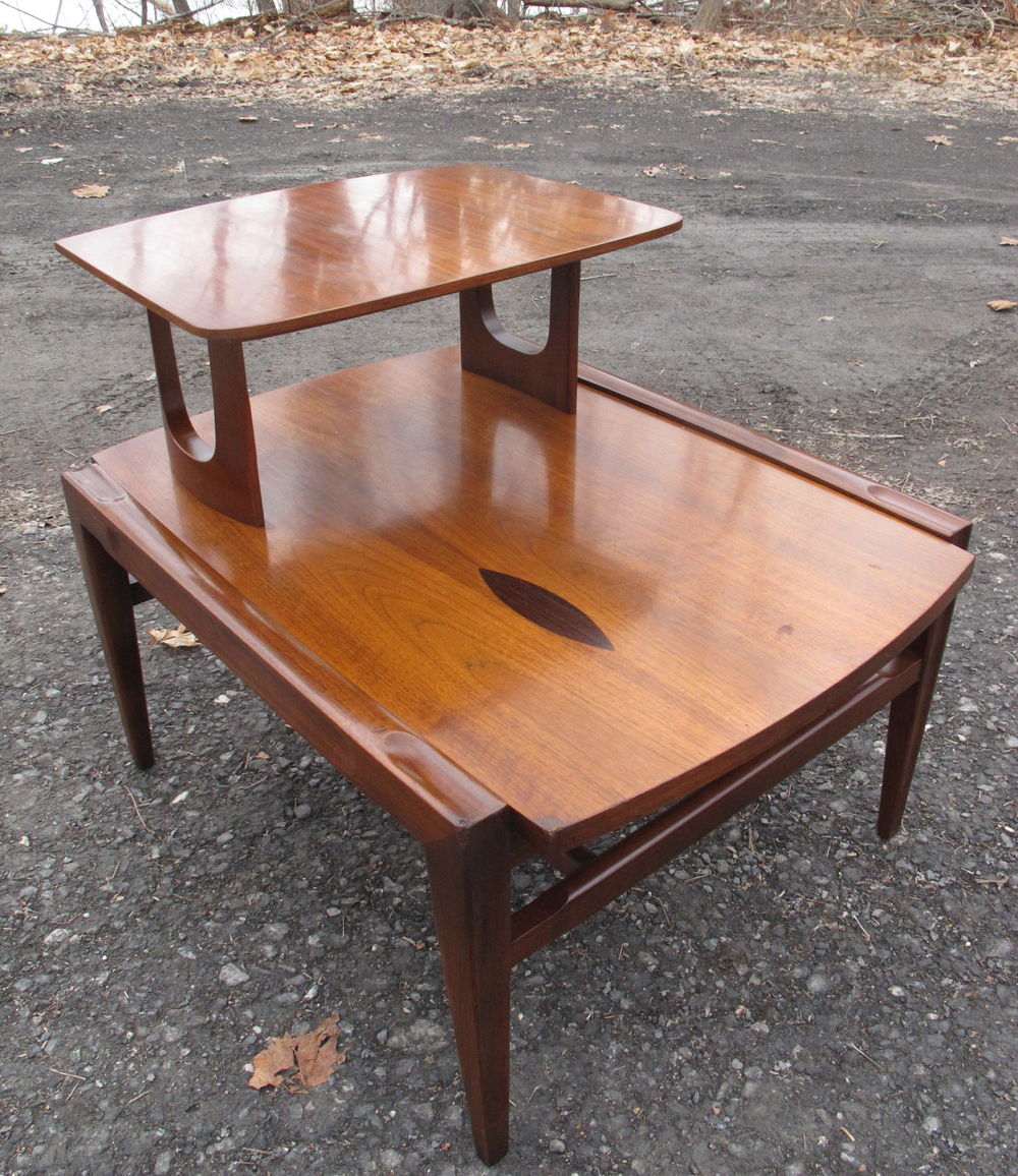 MID CENTURY TWO TIERED END TABLE WITH DECORATIVE INLAY