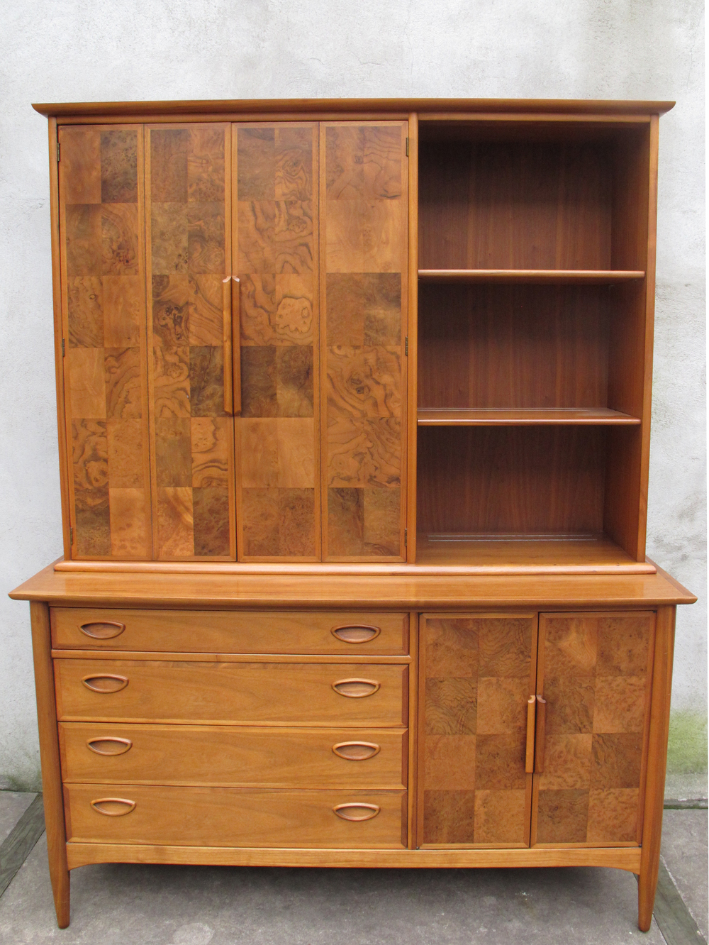 MID CENTURY CREDENZA CABINET BY HERITAGE