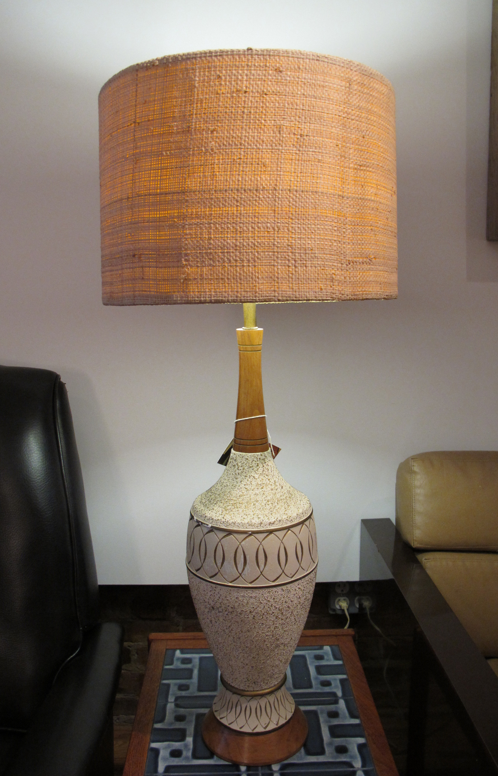 MID CENTURY CERAMIC & WOOD LAMP WITH BURLAP SHADE BY FAIP