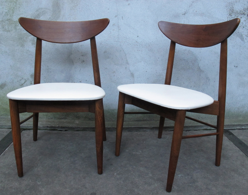 PAIR MID CENTURY WEGER STYLE SIDE CHAIRS