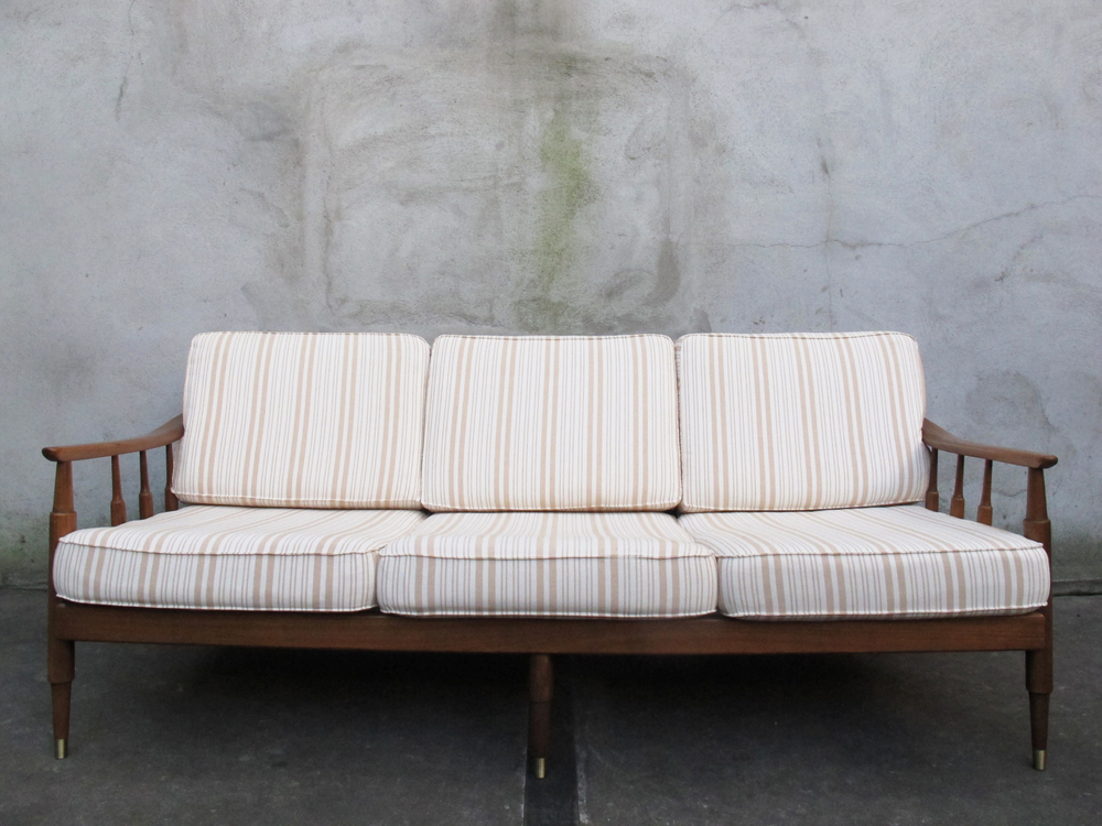 MID CENTURY MODERN SLAT BACK THREE SEAT SOFA