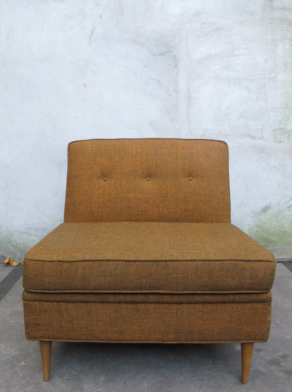 MID CENTURY MODERN LOUNGE CHAIR BY NORWALK FURNITURE