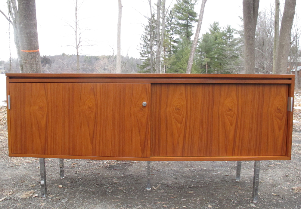 MID CENTURY FLORENCE KNOLL STYLE STORAGE CABINET