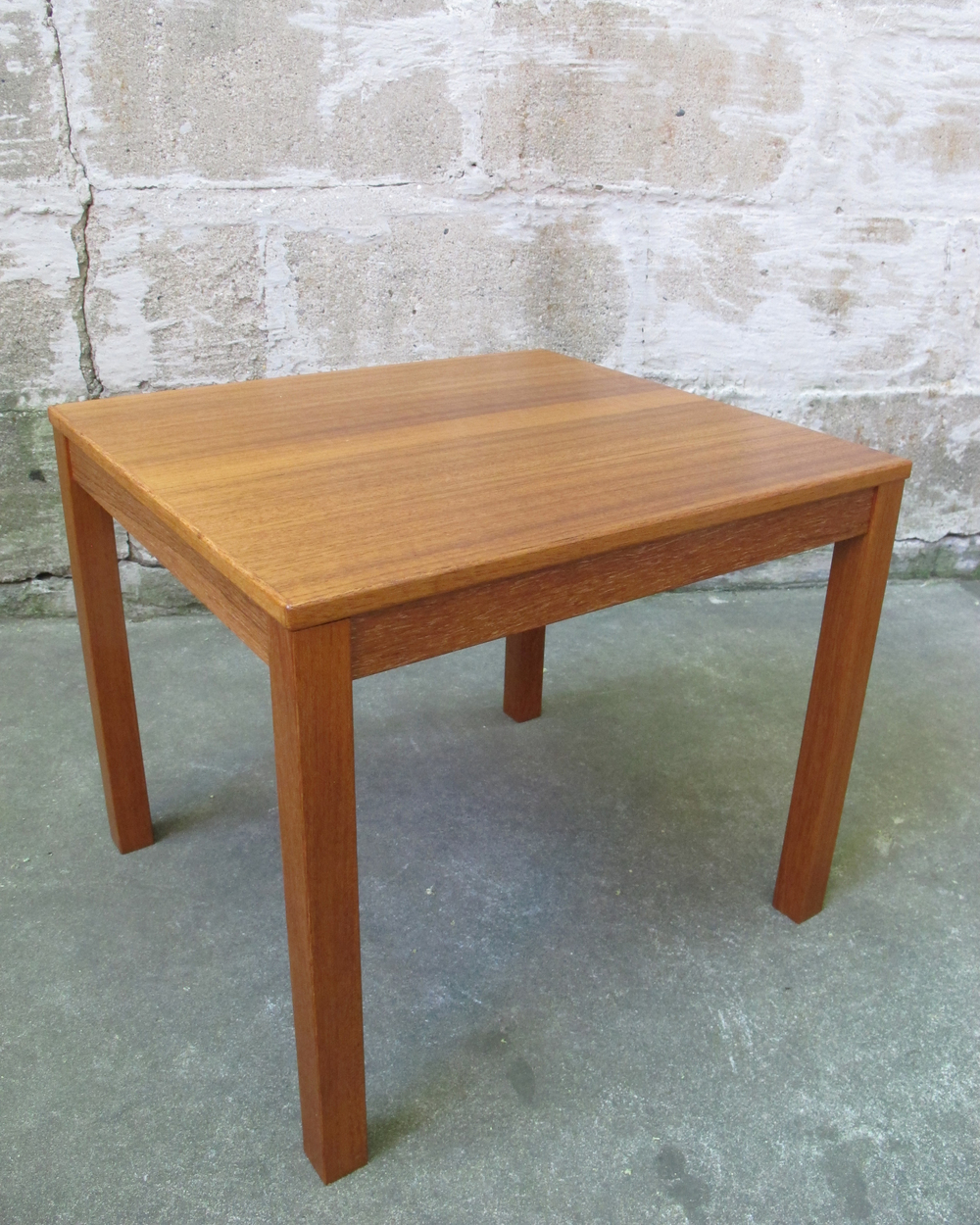 DANISH MODERN SMALL TEAK SIDE TABLE