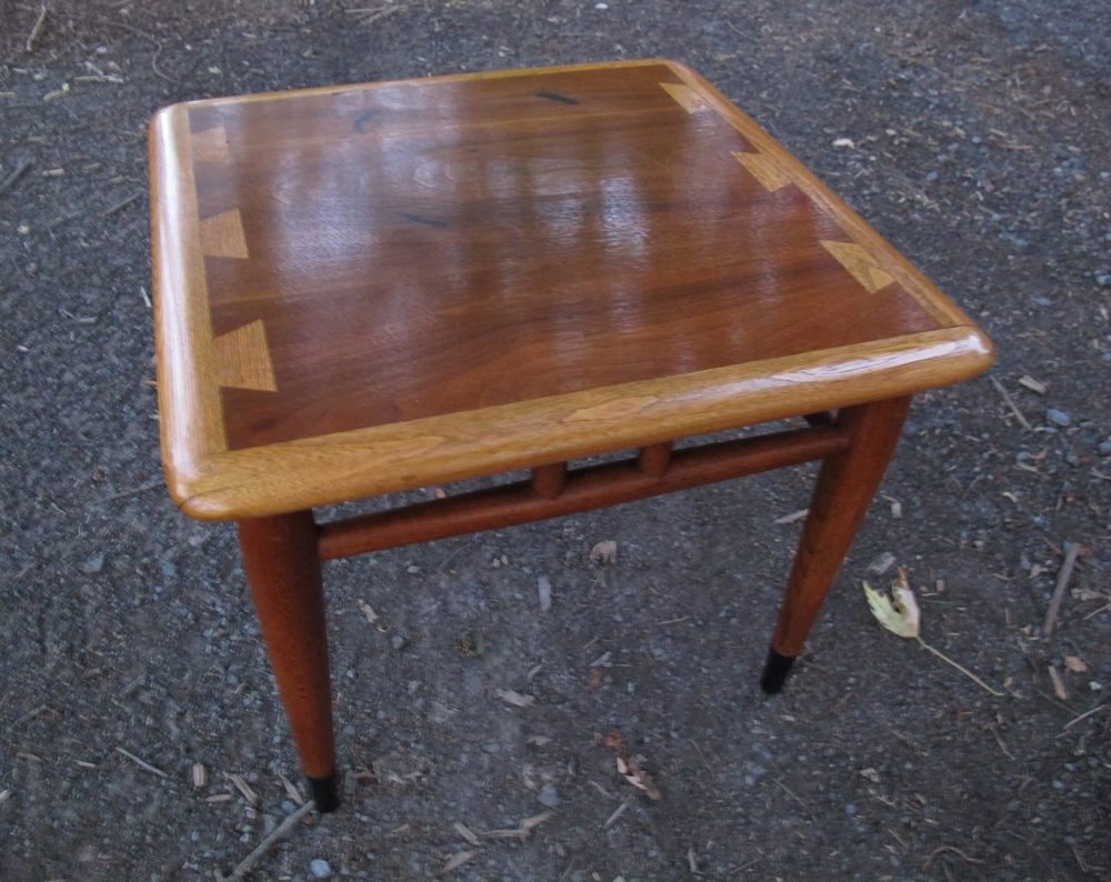 LANE ACCLAIM MID CENTURY SQUARE SIDE TABLE