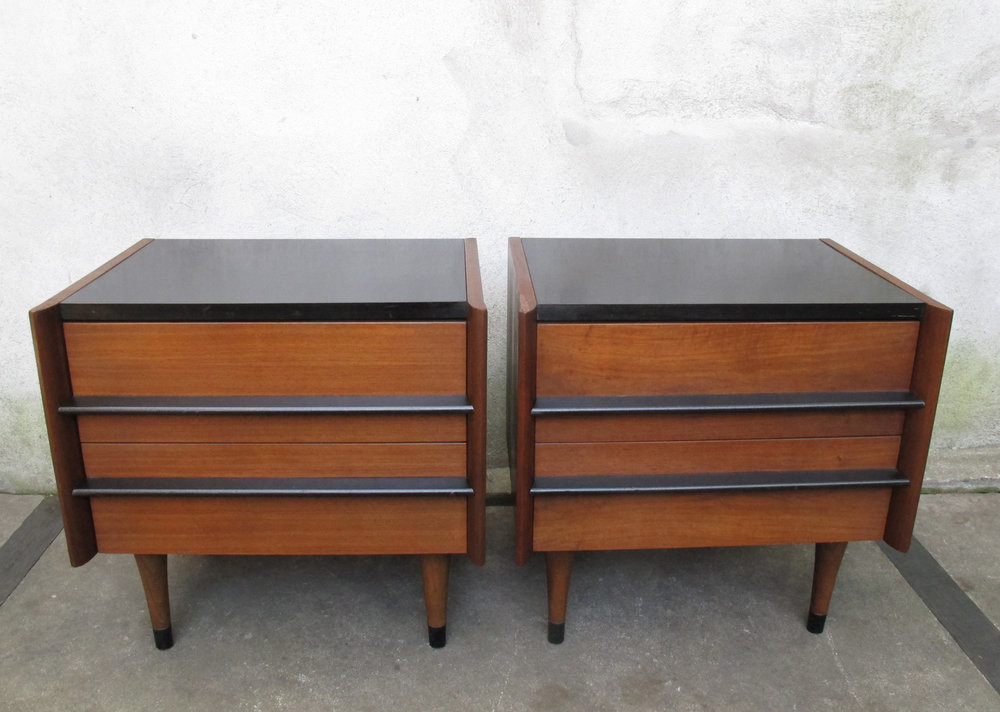 PAIR OF MID CENTURY WALNUT NIGHTSTANDS BY AMERICAN OF MARTINSVILLE