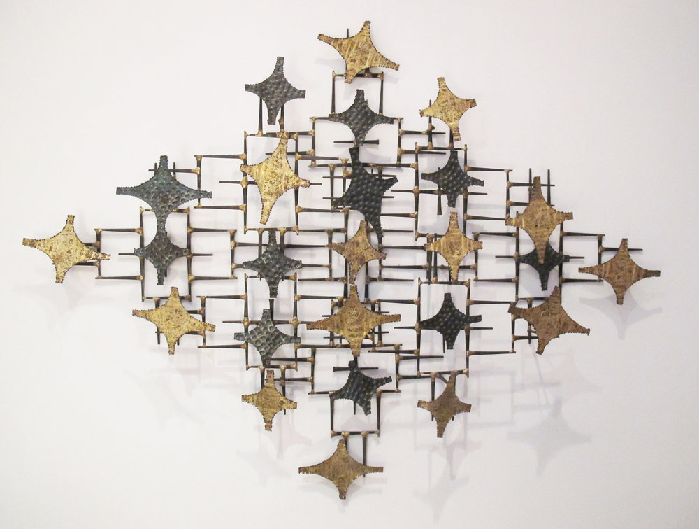 MID CENTURY BRUTALIST MIXED METAL WALL SCULPTURE AFTER CURTIS JERE