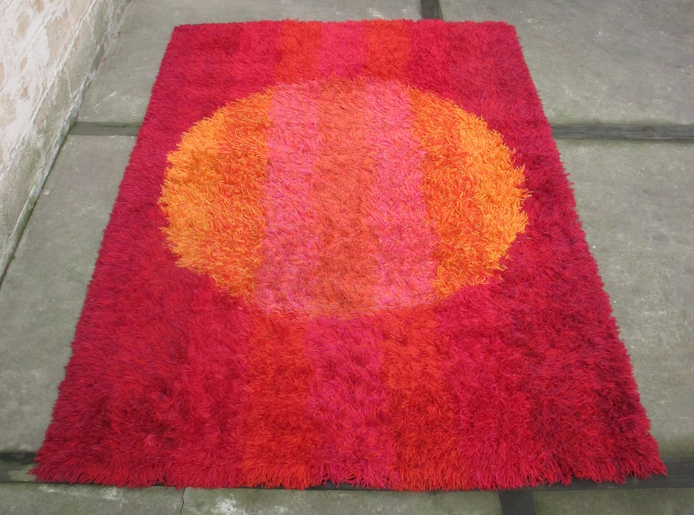 SWEDISH MODERN ABSTRACT SHAG WOOL 'RYA' RUG BY BLEKINGERYA