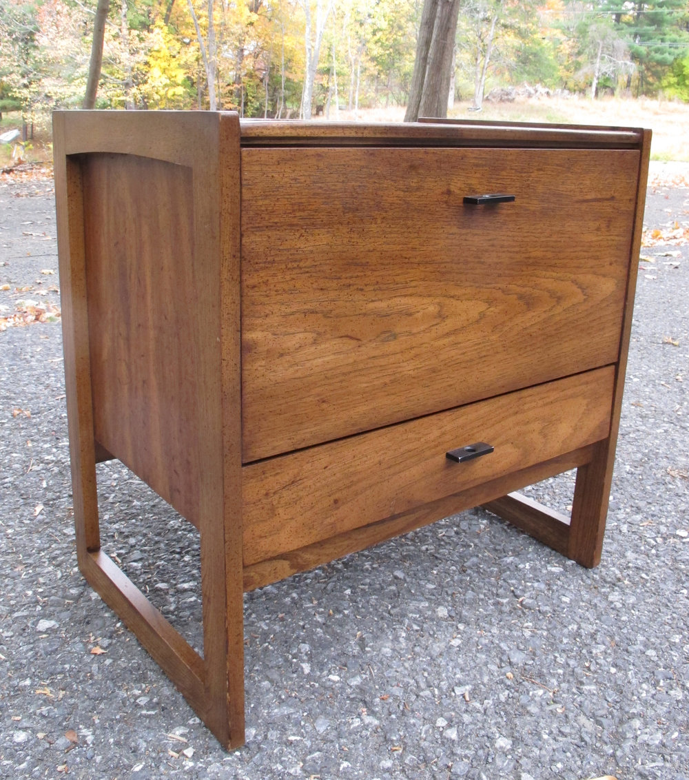 MID CENTURY MODERN DROP DOWN NIGHTSTAND