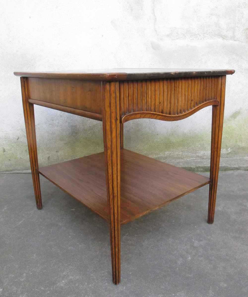 MID CENTURY TWO-TIER LEATHER TOP END TABLE BY HERITAGE