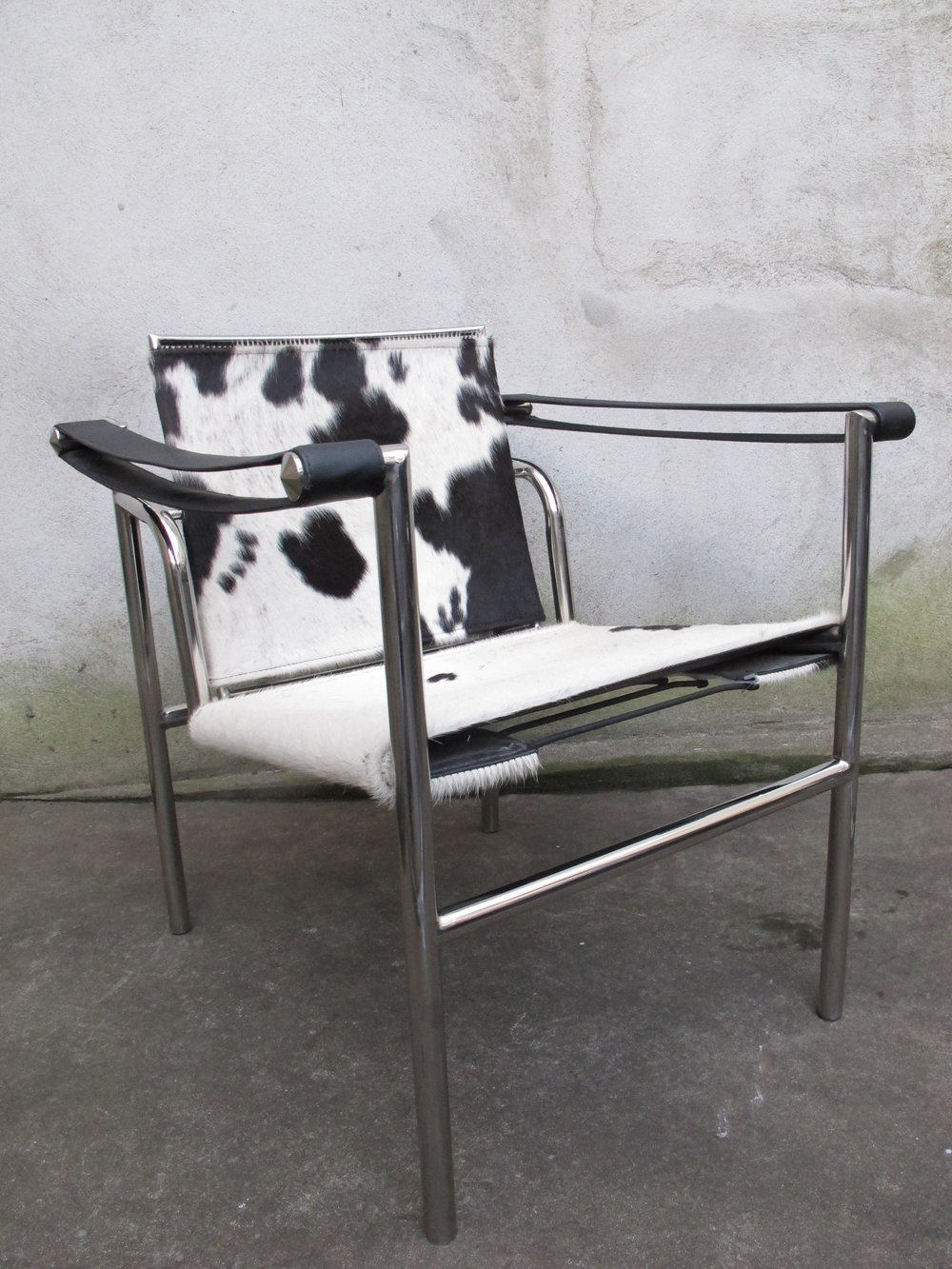 LE CORBUSIER STYLE LC1 BASCULANT SLING CHAIR