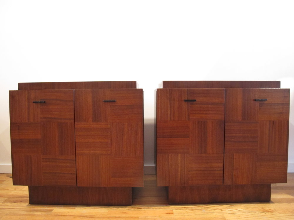 PAIR OF MID CENTURY BRUTALIST WALNUT NIGHTSTANDS