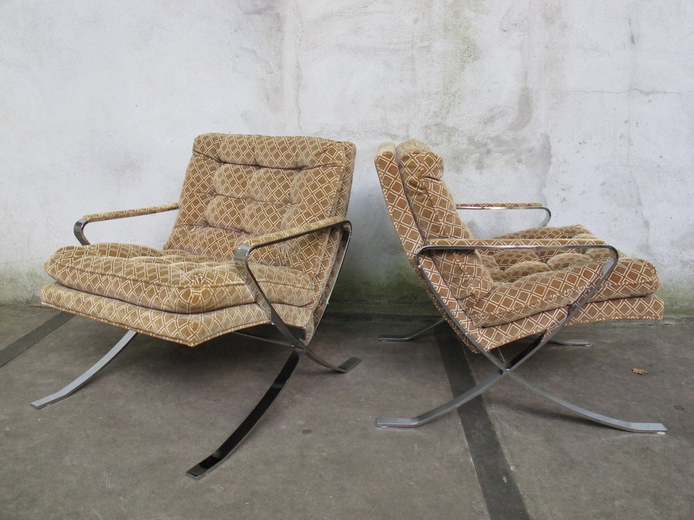 PAIR OF BERNHARDT BARCELONA STYLE LOUNGE CHAIRS