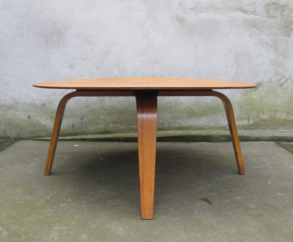 MID CENTURY EAMES CTW COFFEE TABLE BY HERMAN MILLER