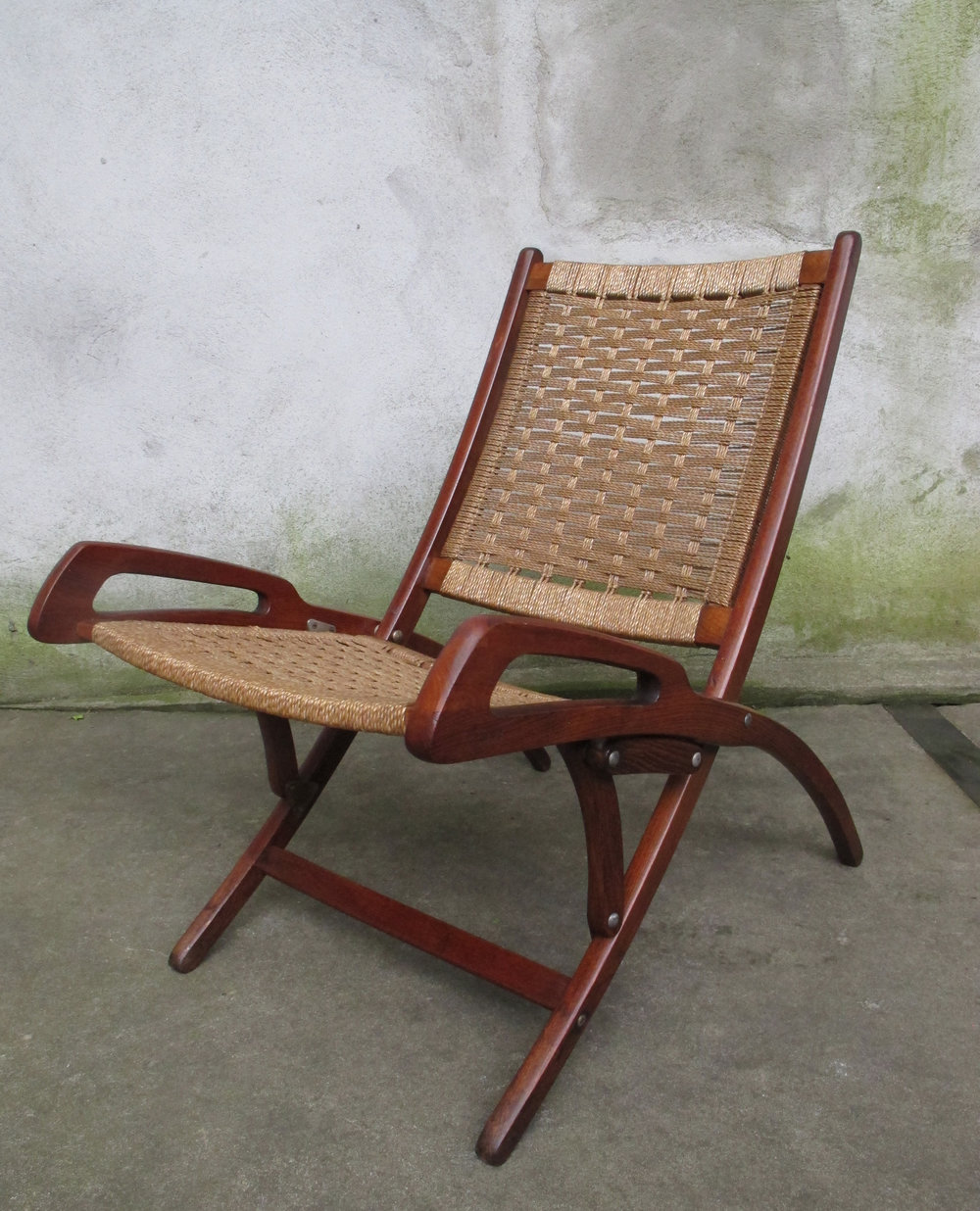 HANS WEGNER STYLE DANISH MODERN FOLDING ROPE LOUNGE CHAIR