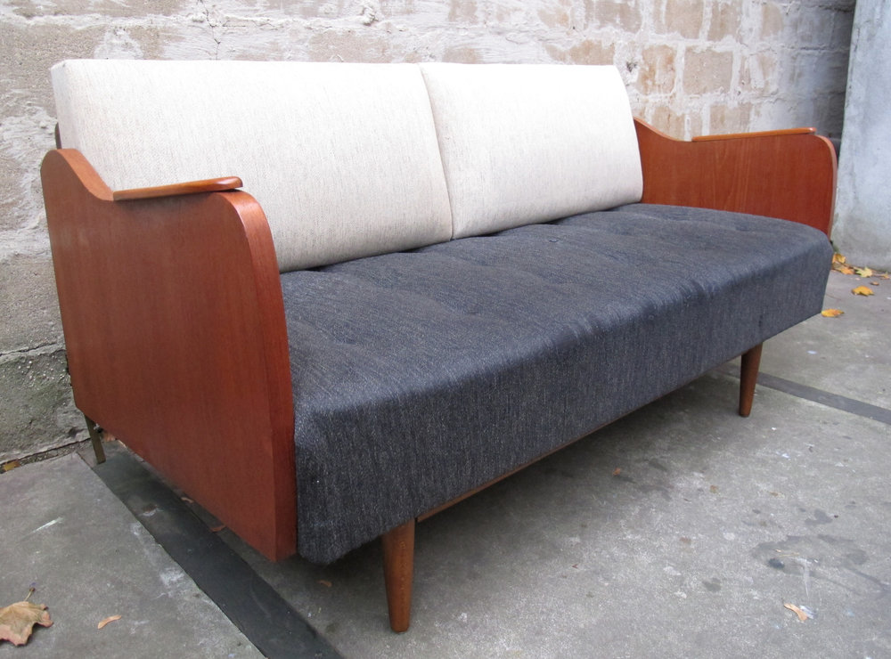 DANISH MODERN TEAK DAYBED AFTER PETER HVIDT