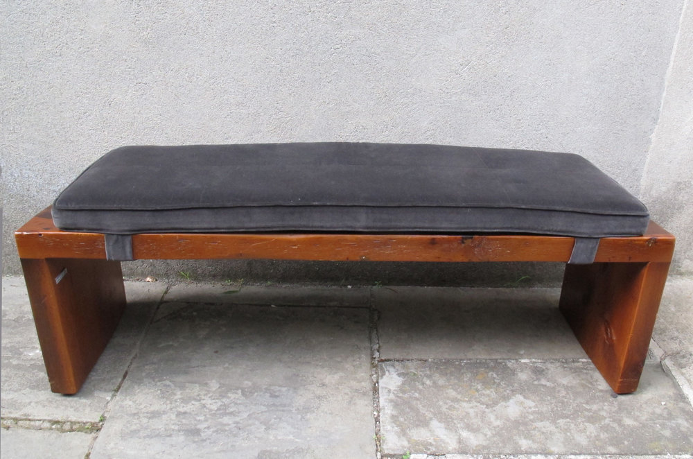 MID CENTURY PINE DOVETAIL BENCH BY POWELL & BONNELL