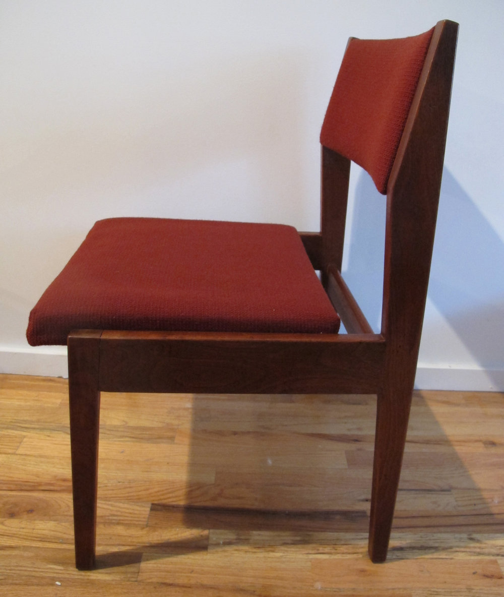 DANISH MODERN WALNUT SIDE CHAIR BY JENS RISOM