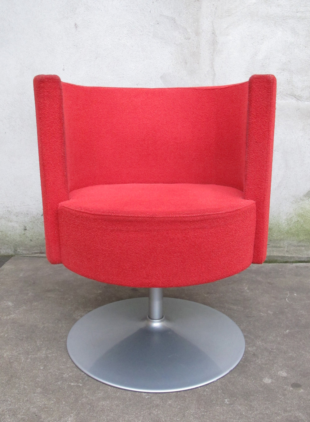 DANISH MODERN RED SWIVEL LOUNGE CHAIR