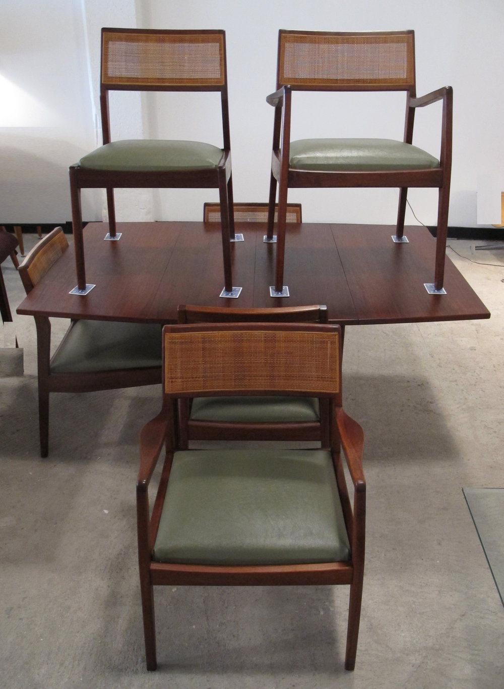 MID CENTURY WALNUT DROP LEAF DINING SET BY FOSTER-MCDAVID