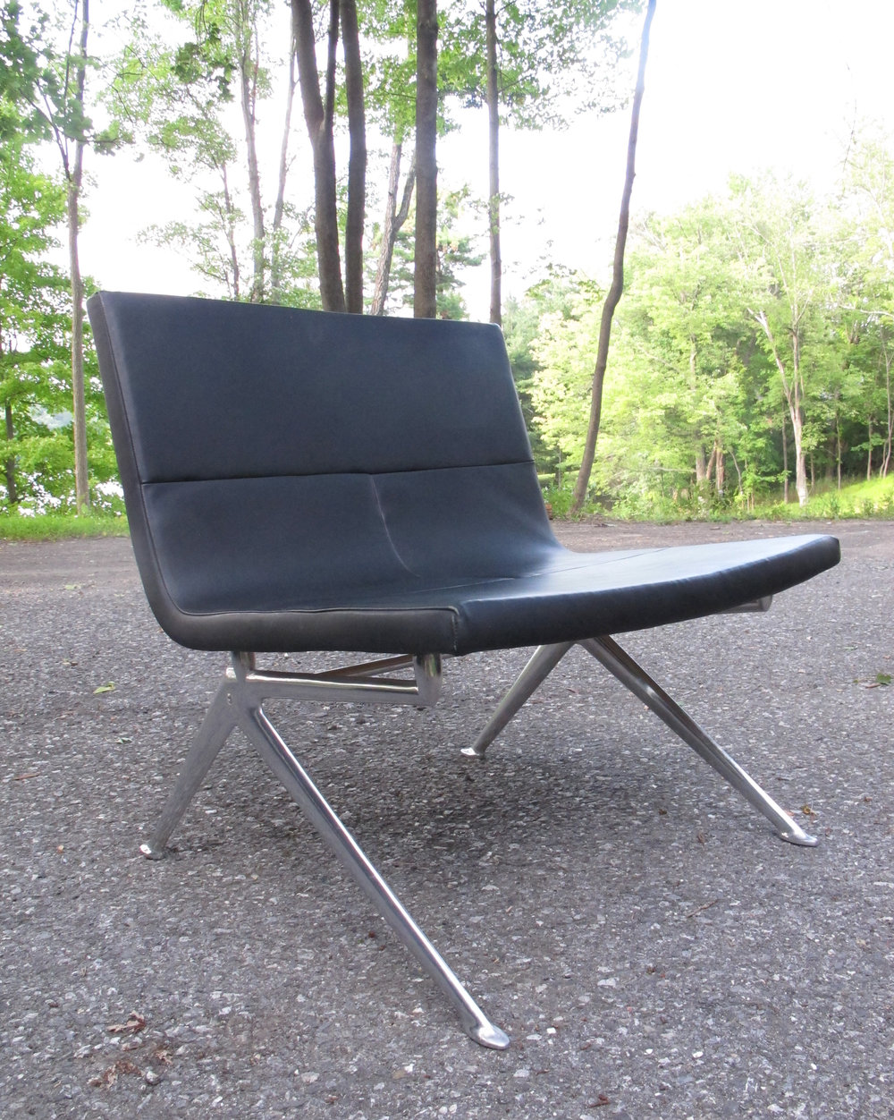 MID CENTURY POUL KJAERHOLM STYLE LEATHER SCOOP CHAIR