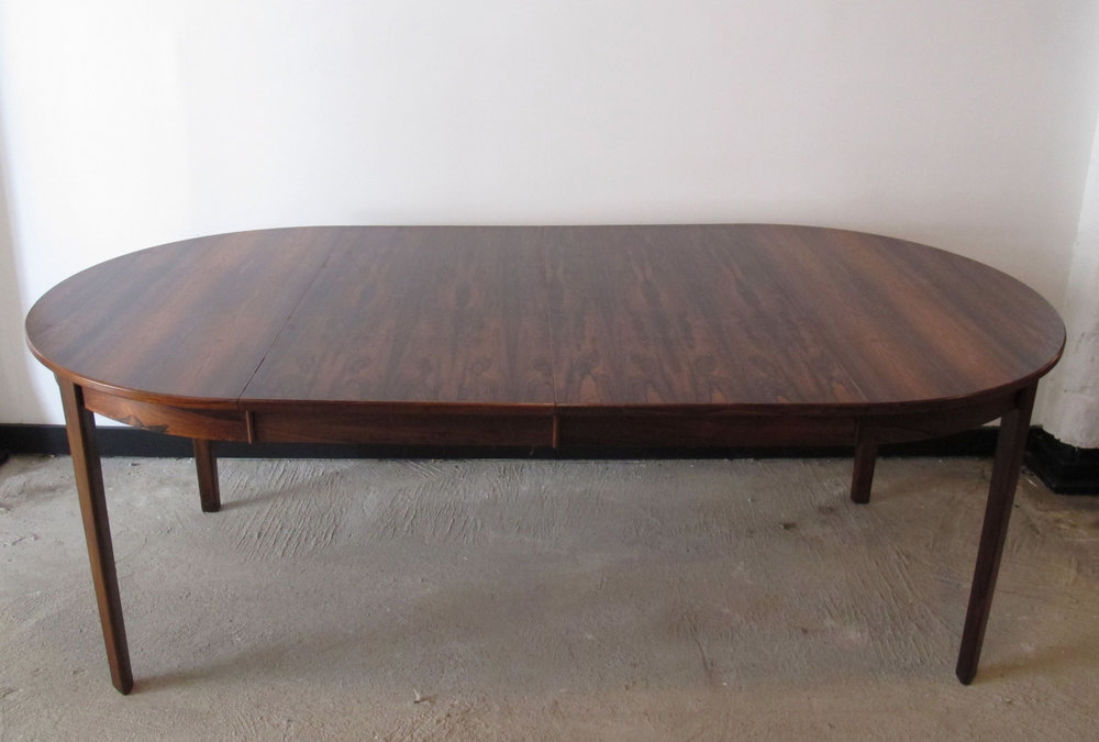 DANISH MODERN ROSEWOOD EXTENSION DINING TABLE