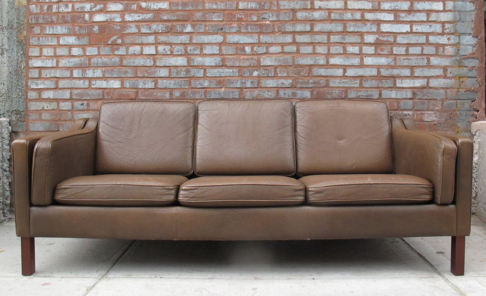 BORGE MOGENSEN STYLE LEATHER SOFA BY MOGENS HANSEN