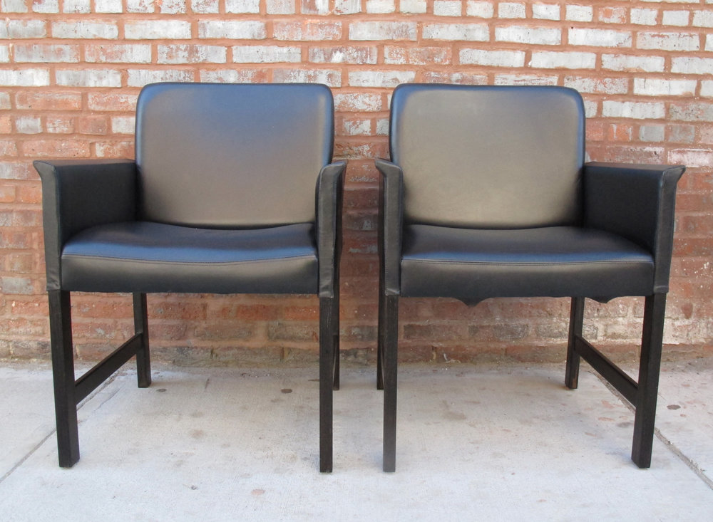 PAIR OF DANISH HANS OLSEN BLACK LEATHER ARMCHAIRS FOR C/S MOBLER