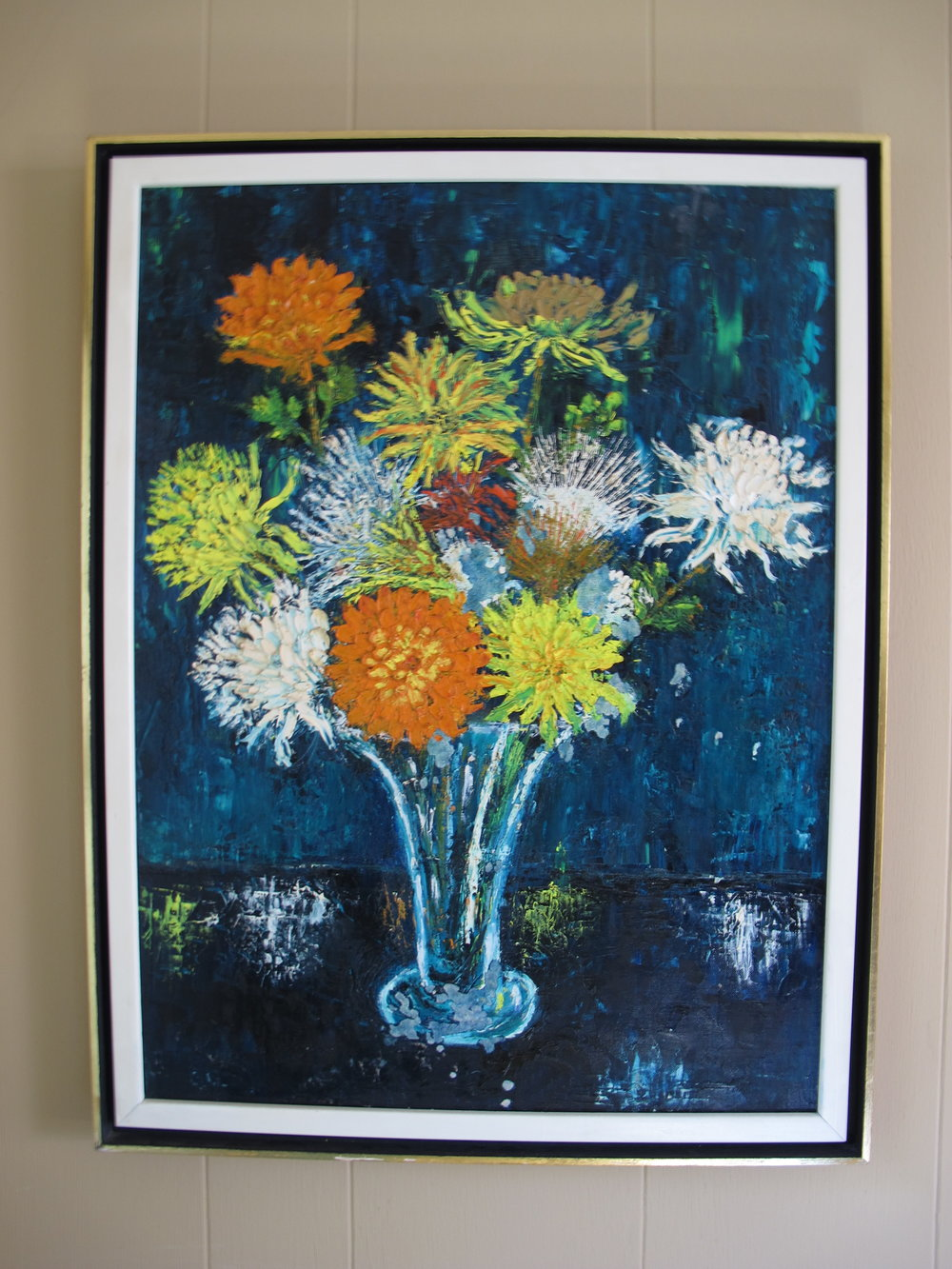 MID CENTURY FRAMED FLOWERS OIL PAINTING