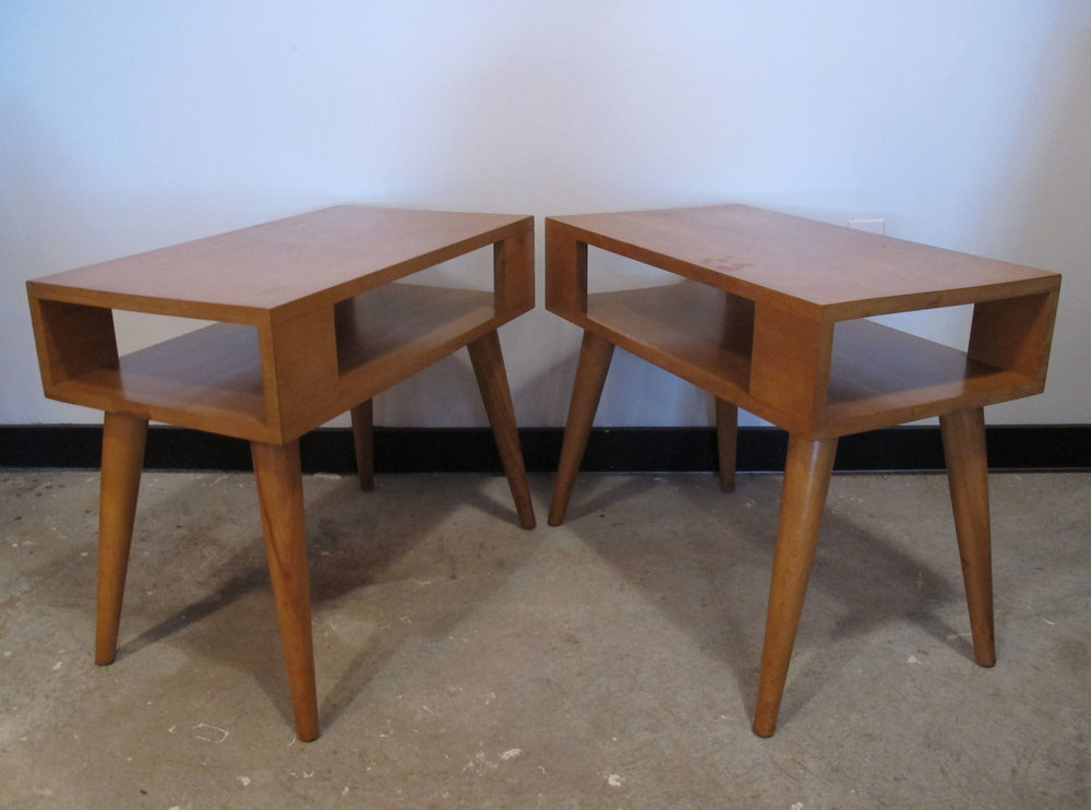 PAIR OF CONANT BALL MODERNMATES END TABLES BY LESLIE DIAMOND