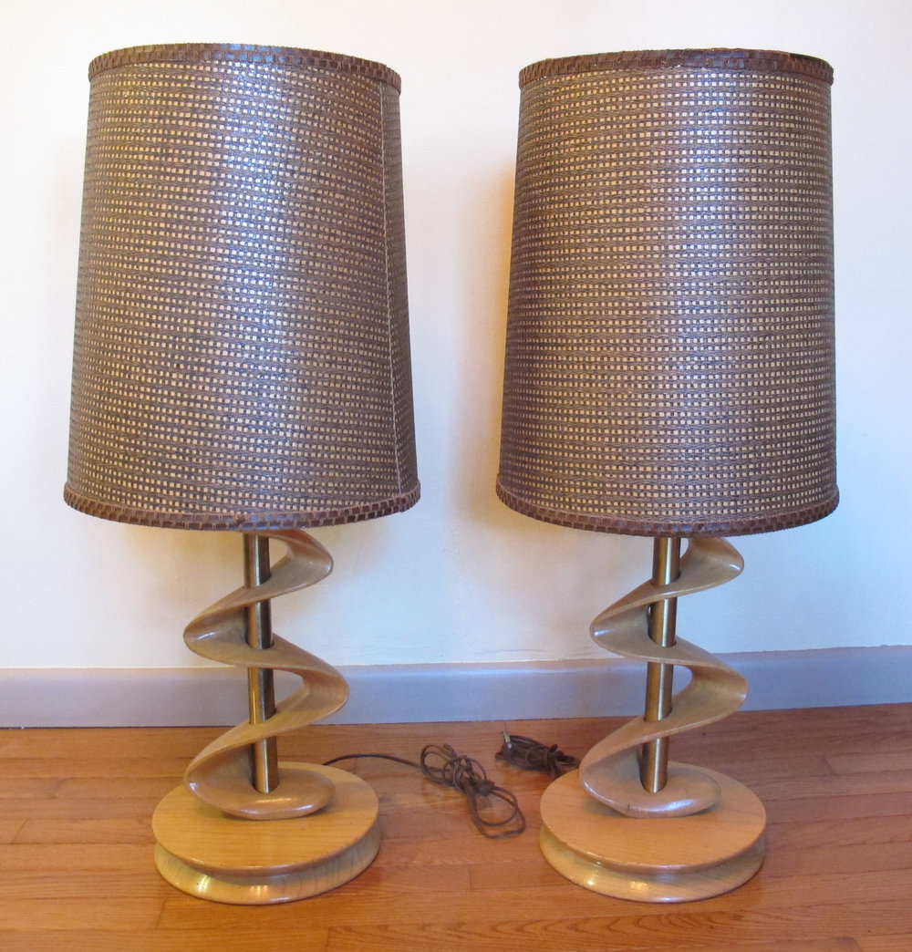 MID CENTURY SCULPTED ZIG ZAG TABLE LAMPS
