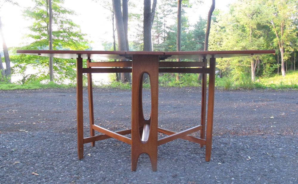 NORWEGIAN BENDT WINGE GATE LEG TEAK DINING TABLE BY KLEPPE MOBELFABRIK