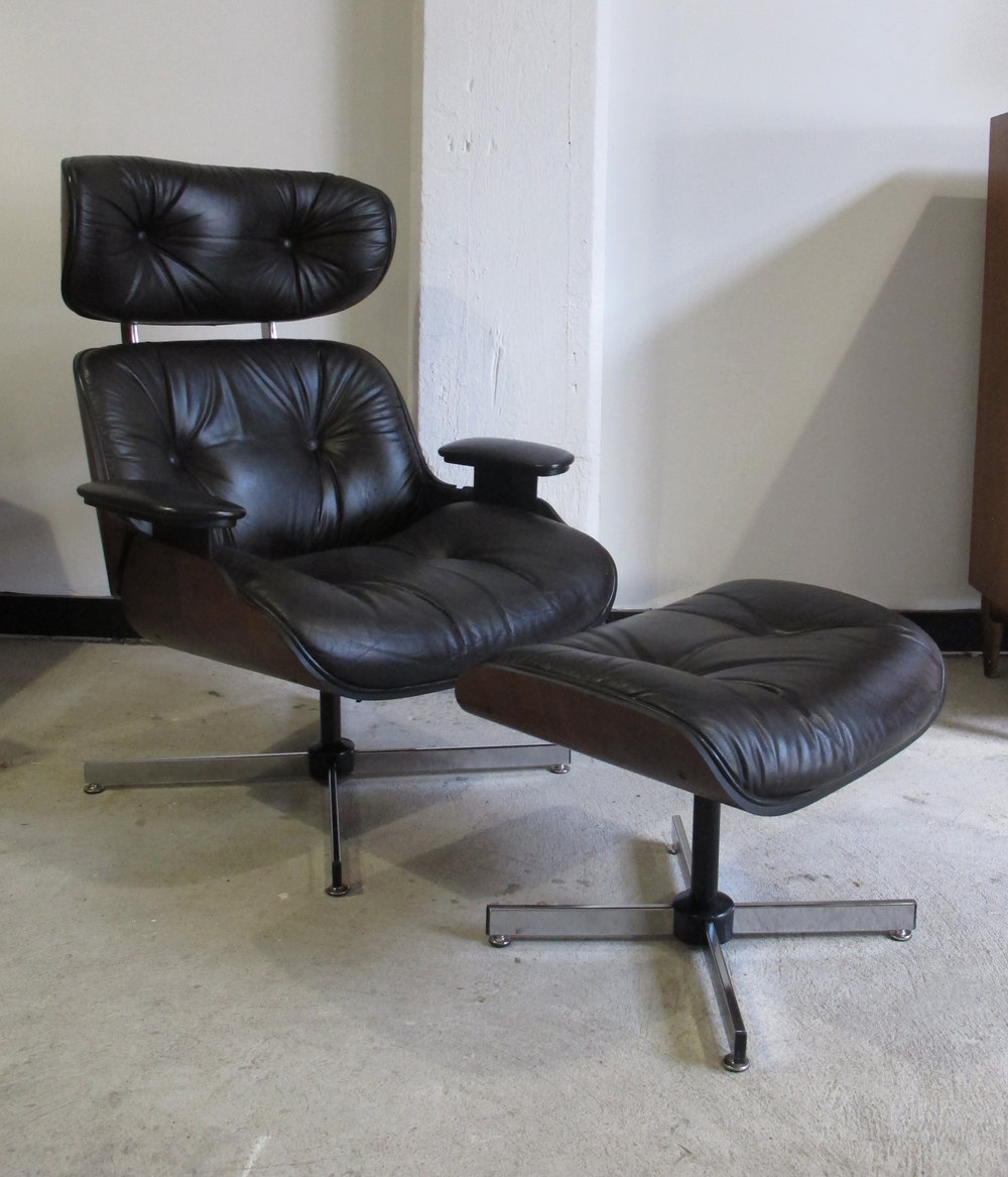 EAMES STYLE LEATHER LOUNGE CHAIR & OTTOMAN BY PLYCRAFT