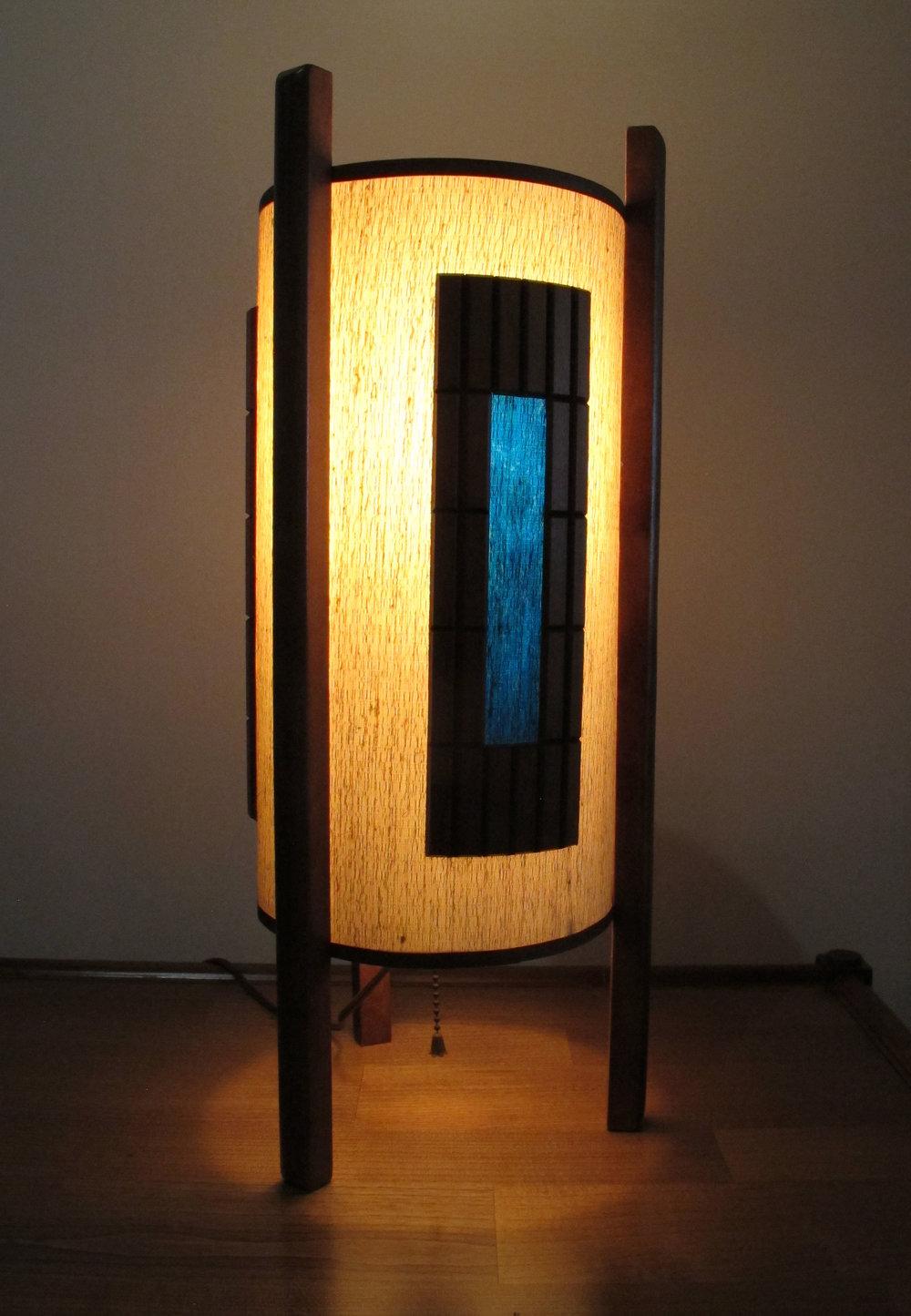 MID CENTURY MODERN THREE LEGGED CYLINDER LAMP