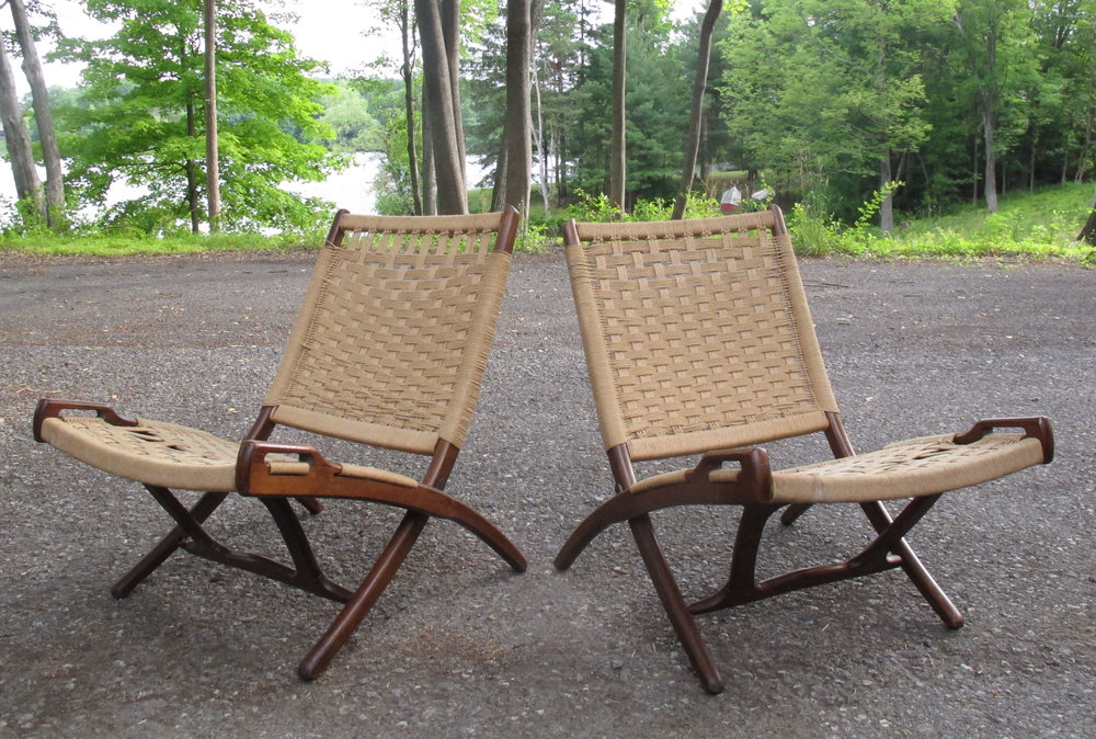 PAIR OF HANS WEGNER STYLE FOLDING ROPE CHAIRS